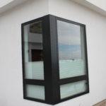 corner window - exterior view